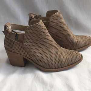 Qupid Ankle Bootie 7.5